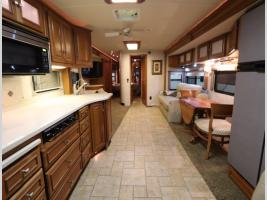 Galley - 2008 Itasca Horizon 40TD