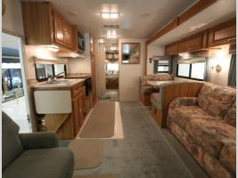 Front to Back - 1999 Coachmen Mirada 340 MBS