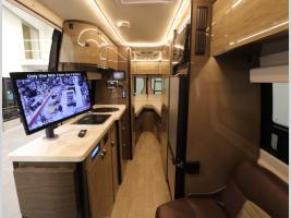 Front to Back - 2018 Winnebago Era 70A
