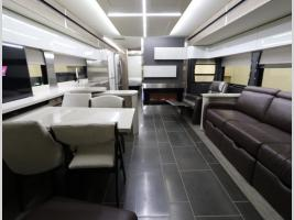 Galley - 2019 Winnebago Horizon 40A