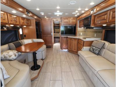 Galley - 2017 Tiffin Allegro Breeze 32BR