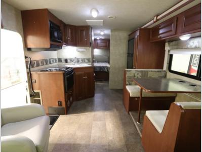 Galley - 2015 Winnebago Vista 26HE