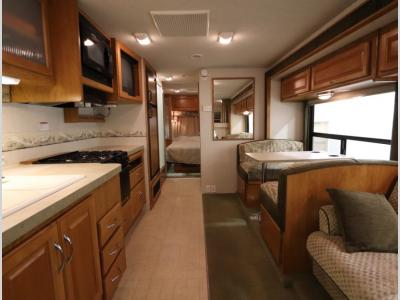 Galley - 2004 Fleetwood RV Jamboree GT 31W