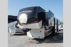 New 2018 Redwood RV Redwood 3881ES Photo