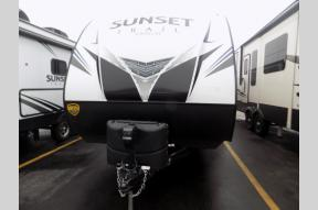 New 2019 CrossRoads RV Sunset Trail Super Lite SS291RK Photo