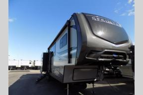 New 2019 Keystone RV Sprinter 3571FWLFT Photo
