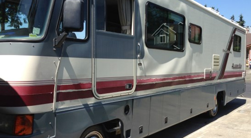 how to winterize your rv and get it ready for storage, picture of a motorhome that has alot of delamination happening on the fiberglass exterior, rv delamination