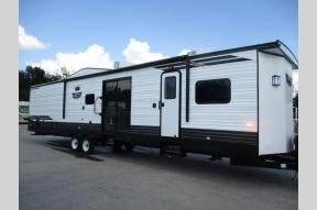New 2020 Forest River RV Wildwood DLX 4002Q Photo
