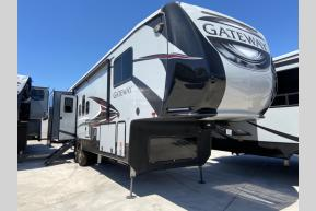 New 2019 Heartland Gateway 3230 CK Photo