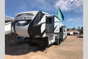 New 2019 Heartland Gateway 3900 MB Photo