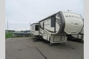 New 2018 Keystone RV Montana 3661RL Photo