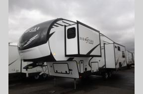 New 2020 Forest River RV Rockwood Signature Ultra Lite 8299SB Photo