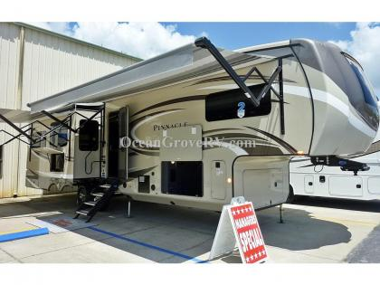 New 2020 Jayco Pinnacle 36SSWS Photo
