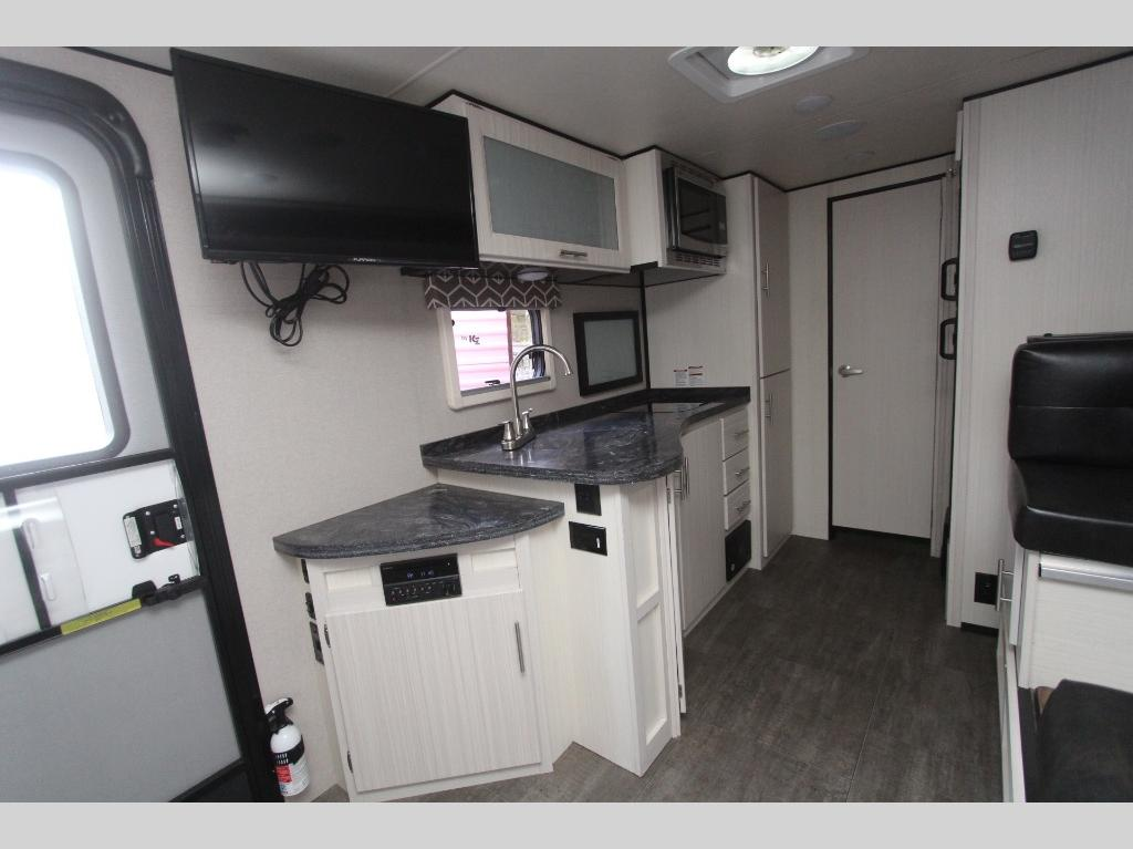Used 2018 Livin Lite CampLite CL21RBS Travel Trailer at