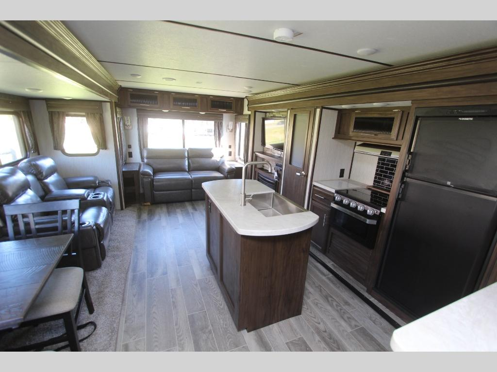 New 2019 Forest River Rv Cherokee Alpha Wolf 26rl L Travel