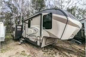 Used 2017 Keystone RV Cougar 341RKI Photo