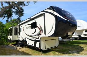 Used 2015 Keystone RV Alpine 3535RE Photo