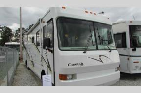 Used 2000 Safari Cheetah 38 Photo