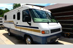 Used 2005 Airstream RV Land Yacht XL mobile doctor unit Photo
