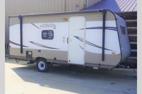 Used 2017 Forest River RV Wildwood X Lite FS 195BH Photo