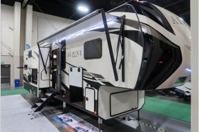 New 2019 Keystone RV Alpine 3320MK Photo