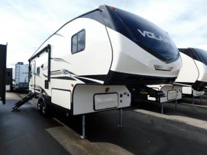 New 2019 CrossRoads RV Volante 240RL Photo