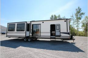 New 2018 Keystone RV Residence 401RLTS Photo