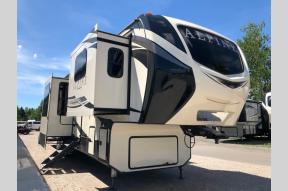 New 2019 Keystone RV Alpine 3700FL Photo