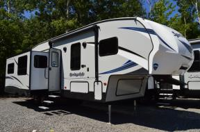 New 2018 Keystone RV Springdale 253FWRE Photo
