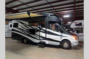 New 2017 Tiffin Motorhomes Wayfarer 24 QW Photo