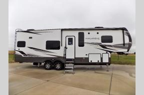 New 2021 Keystone RV Avalanche 295RK Photo