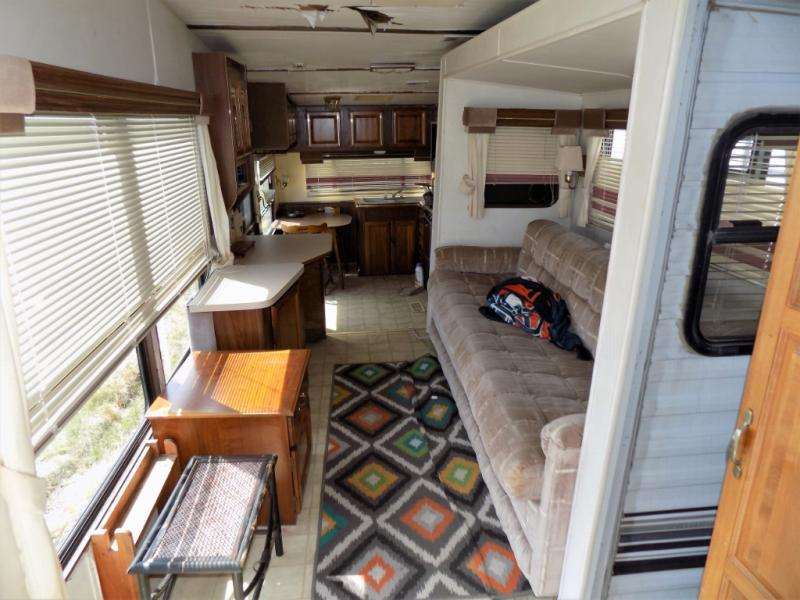 Used 1990 Mallard Flight Leader 36RK SO Fifth Wheel at