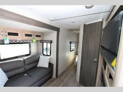 Coachmen RV - Freedom Express Maple Leaf/Liberty Edition 320 BHDS - Primo RV Centre - Ottawa's #1 RV Dealer