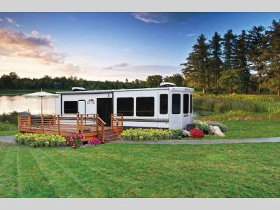Cedar Creek Cottage 40 CDL - Primo RV Centre - Ottawa's #1 RV Dealership