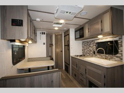 Gulfstream RV - Trailmaster 197 BH - Super Lite - Primo RV Centre - Ottawa's #1 RV Dealer
