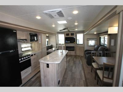 Coachmen RV - Catalina Destination 40 BHTS - Primo RV Centre - Ottawa's #1 RV Dealership