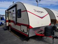 2019 Vintage Cruiser  19 ERD by Gulfstream Lightweight Travel Trailer Vintage