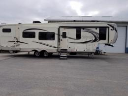 New 2018 Palomino Columbus Compass 374BHC Photo