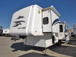 Used 2009 Teton 34RL Photo