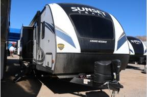 New 2018 CrossRoads RV Sunset Trail Grand Reserve SS26SI Photo