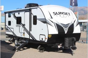 New 2019 CrossRoads RV Sunset Trail Super Lite SS215BH Photo