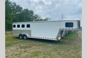 Used 2007 Kieferbuilt Horse Trailer 4 Bay W/ Living Quarters Photo