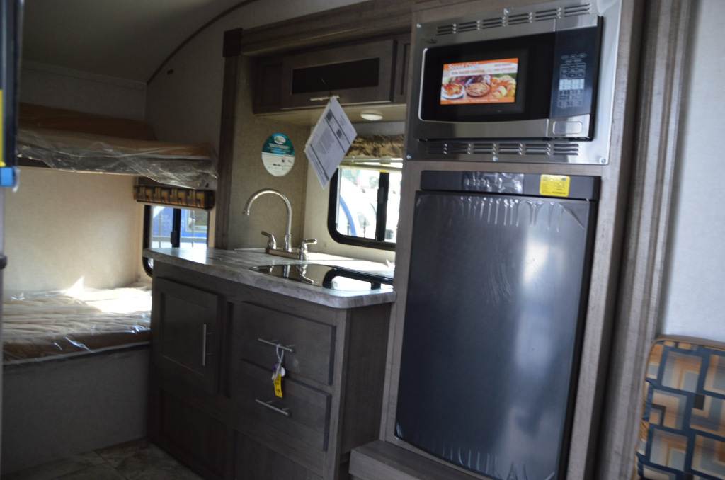 New 2018 Forest River Rv R Pod Rp 182g Travel Trailer At