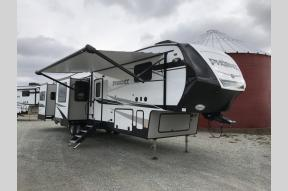 New 2019 Shasta RVs Phoenix 381RE Photo