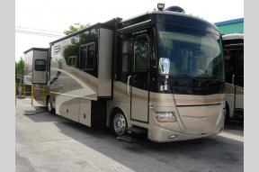 Used 2008 Fleetwood RV Discovery 39R Photo