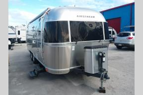 Used 2014 Airstream RV Flying Cloud 25 Photo
