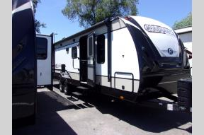 New 2019 Cruiser Radiance Ultra Lite 28QD Photo