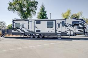 New 2020 Dutchmen RV Voltage V4195 Photo