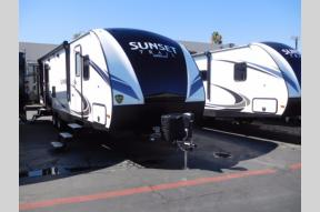 New 2018 CrossRoads RV Sunset Trail Super Lite SS271RL Photo