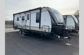 New 2019 Cruiser Radiance Ultra Lite 22RB Photo